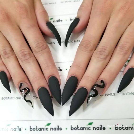 black stiletto nail