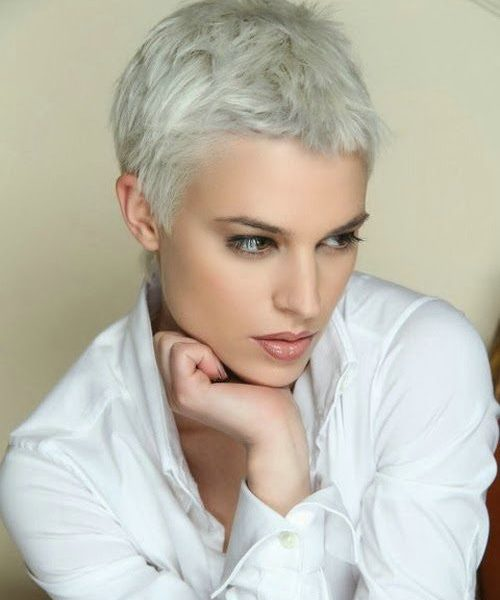 Classic-And-Elegant-Short-Hairstyles-For-Mature-Women