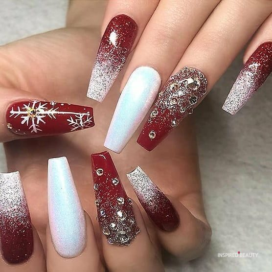 red christmas nails design