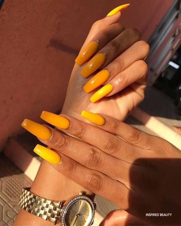 summer baddie nails