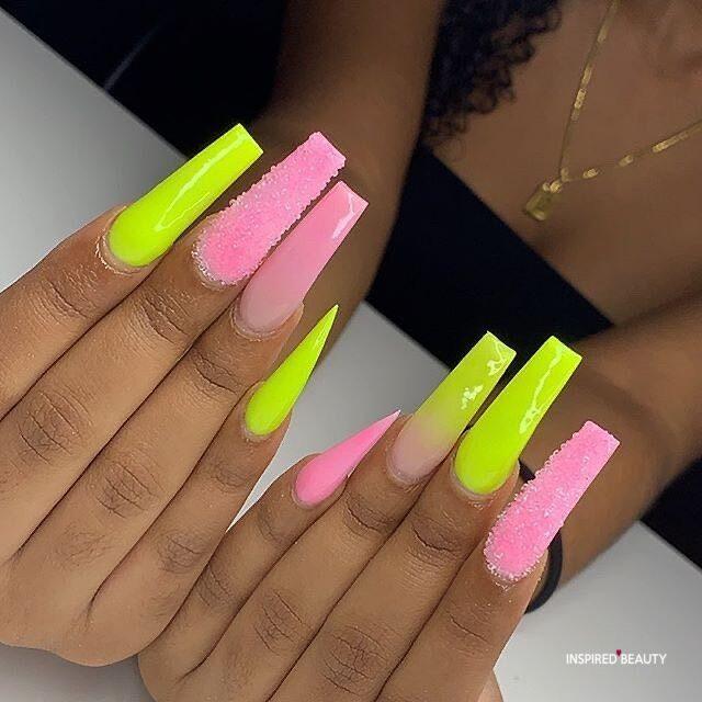 acrylic baddie nails